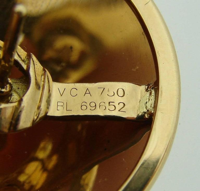 Art Deco Van Cleef & Arpels Gold Chapeau Chinois Bracelet and Earclips Set For Sale
