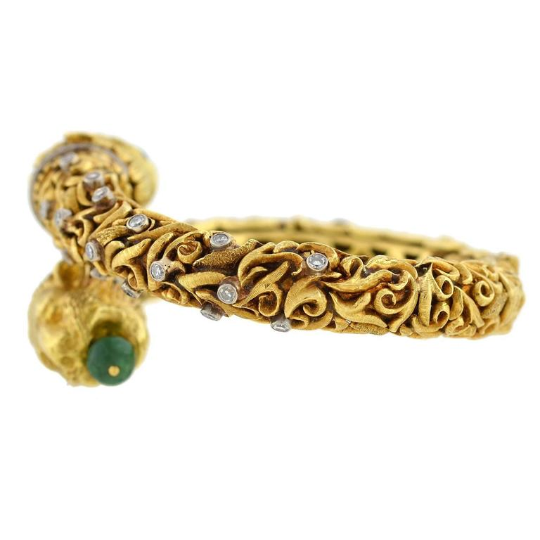 1960s Zolotas Emerald Diamond Gold Lion Bracelet For Sale 1