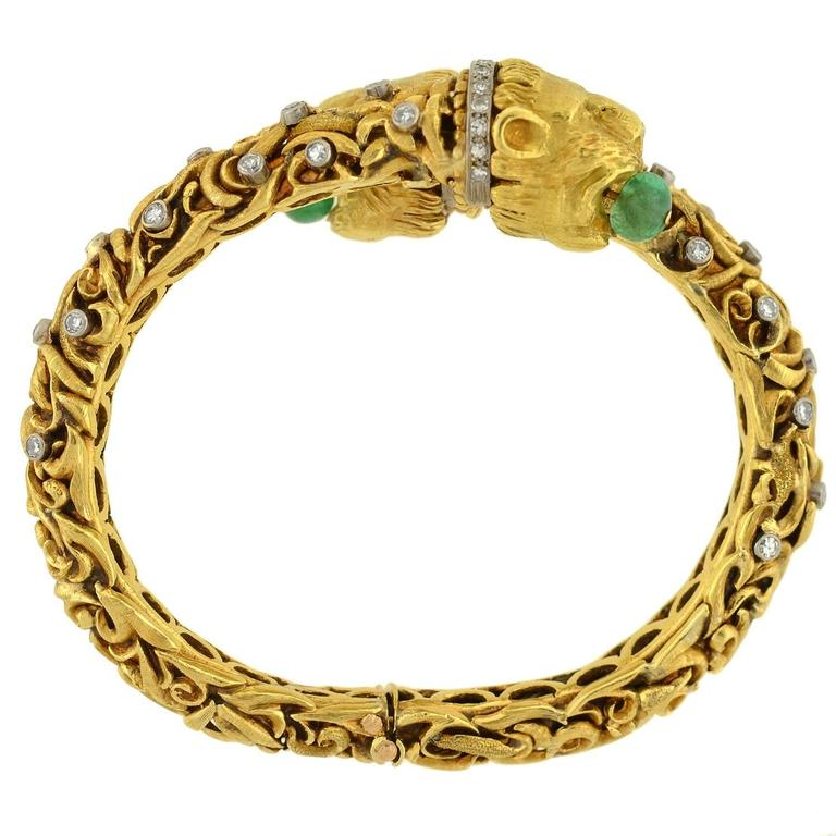 1960s Zolotas Emerald Diamond Gold Lion Bracelet For Sale 2