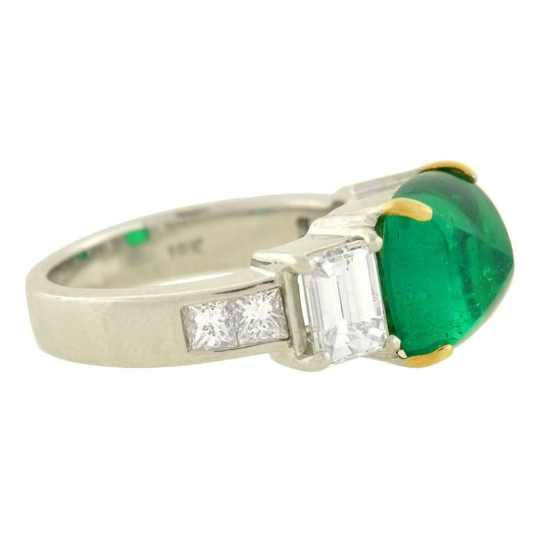 contemporary pyramidal cabochon 4 05 carat emerald