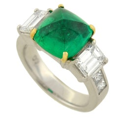 Contemporary Pyramidal Cabochon 4.05 Carat Emerald Diamond Gold Ring