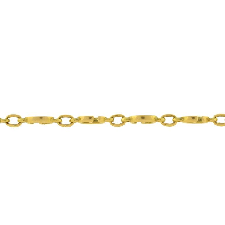 GUCCI Vintage Enameled 'G' Link Gold Bracelet In Excellent Condition For Sale In Narberth, PA
