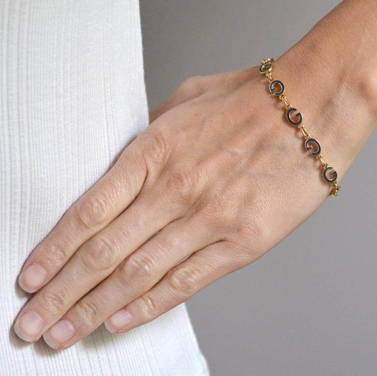 GUCCI Vintage Enameled 'G' Link Gold Bracelet 7