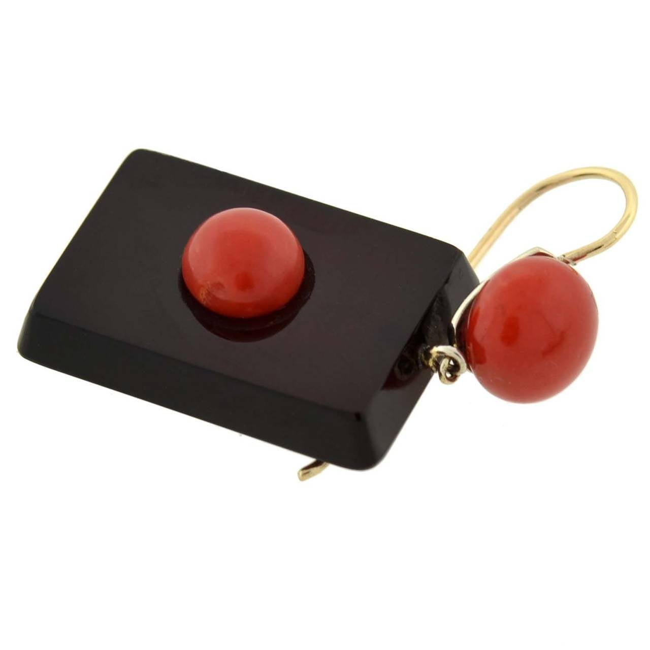 Art Deco Natural Coral & Agate Earrings For Sale 2