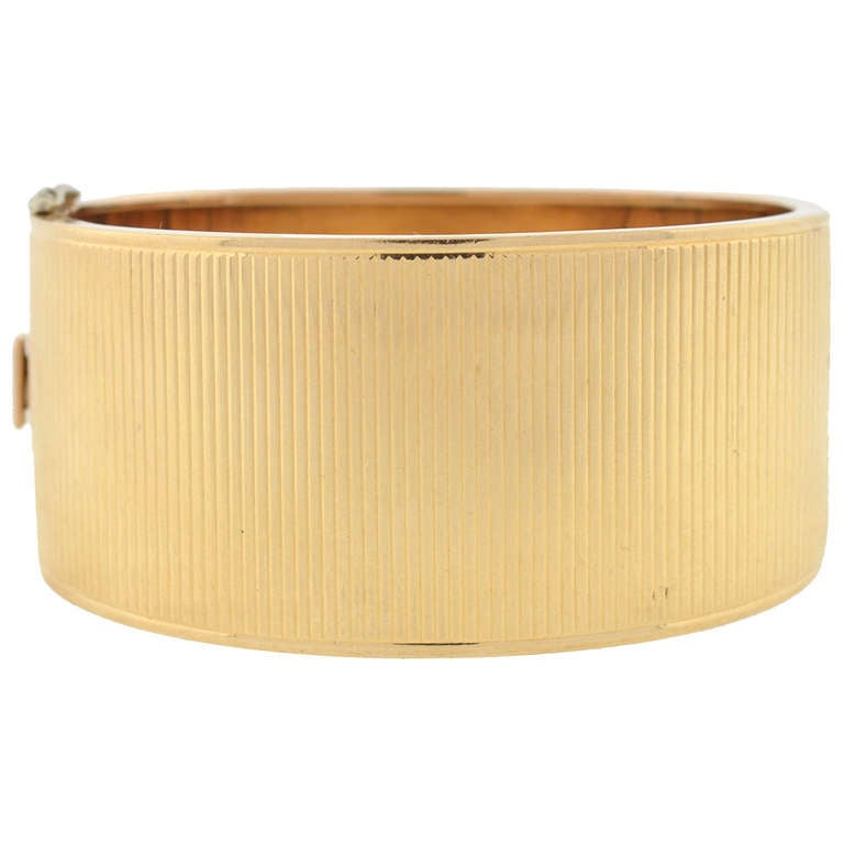 Retro Wide Ridged Gold Hinged Bangle Bracelet