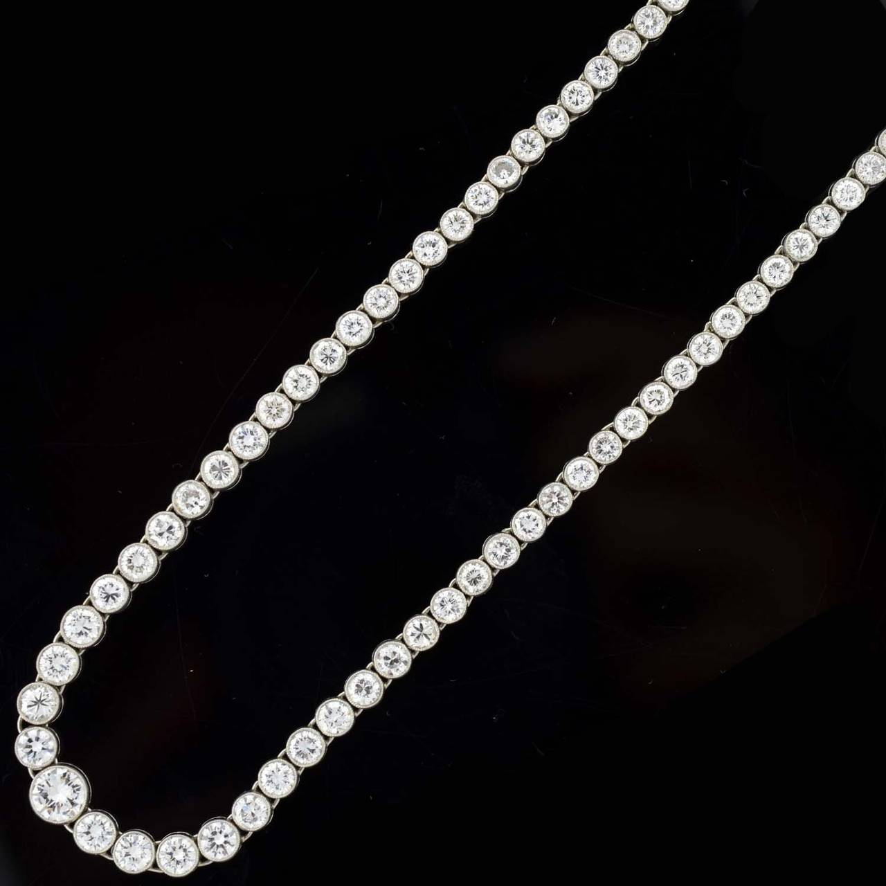 Contemporary Diamond Riviere Necklace In Excellent Condition For Sale In Narberth, PA