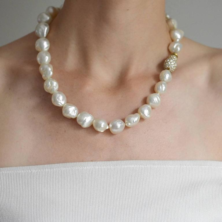 Contemporary Baroque Pearl Necklace With Diamond Gold