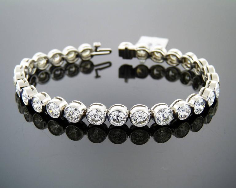 Brilliant-cut Diamond Gold Bezel-Set Tennis Bracelet  For Sale 1