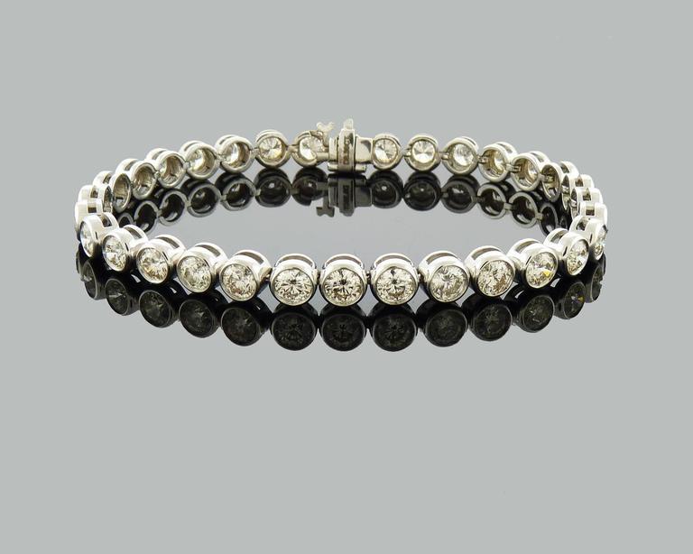 Women's or Men's Brilliant-cut Diamond Gold Bezel-Set Tennis Bracelet  For Sale