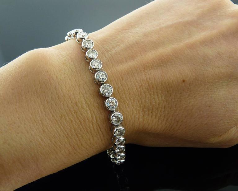 Brilliant-cut Diamond Gold Bezel-Set Tennis Bracelet  For Sale 4