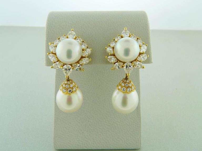 Van Cleef & Arpels Pearl Diamond Gold Earrings 2