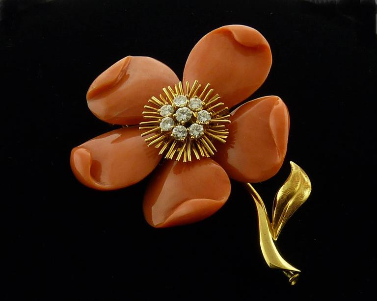 Van Cleef & Arpels Diamond Coral  Gold Brooch/Pin In Excellent Condition For Sale In New York, NY