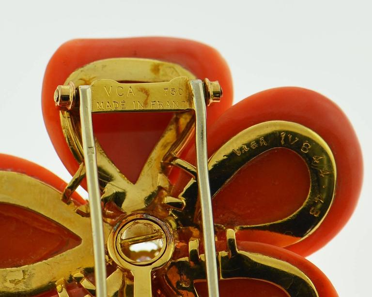 Van Cleef & Arpels Diamond Coral  Gold Brooch/Pin For Sale 1