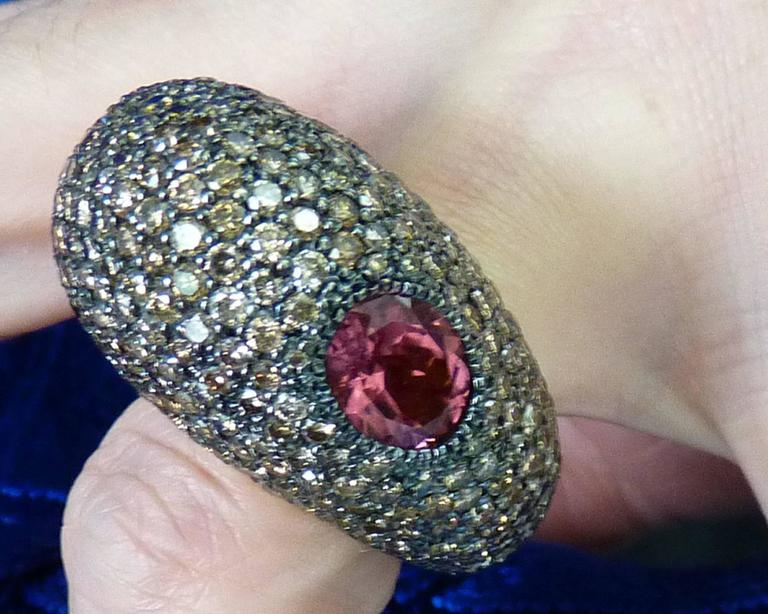 Champagne Diamonds Spinel 18 Karat Yellow Gold Ring For Sale 1