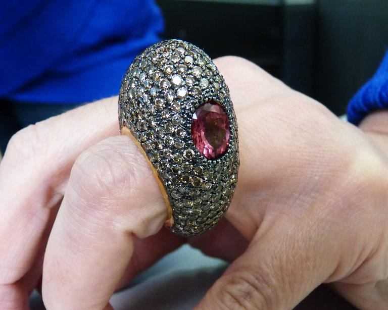 Champagne Diamonds Spinel 18 Karat Yellow Gold Ring For Sale 2