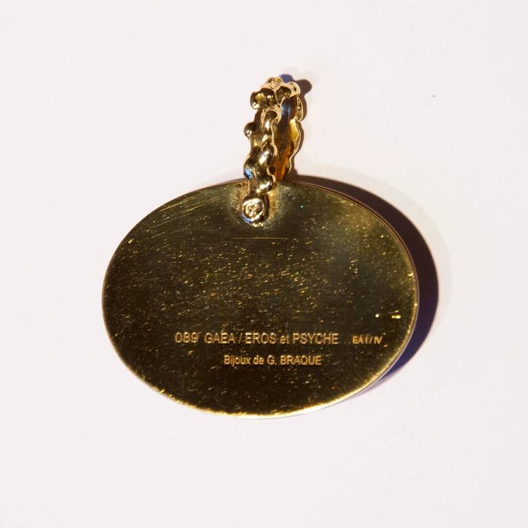 1963 Georges Braque Cornelian Gold Gaea Cupid and Psyche pendant In Excellent Condition For Sale In Paris, FR