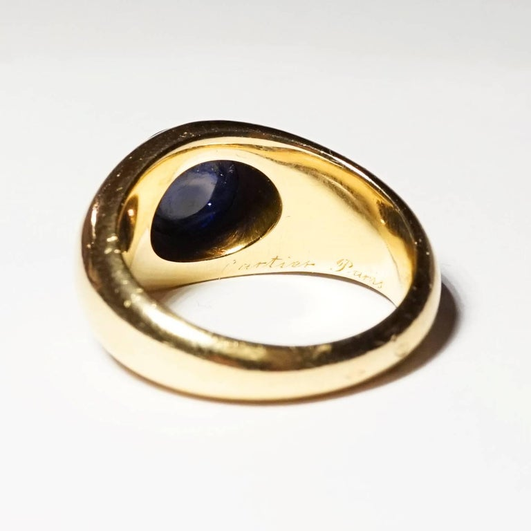 Cartier Sapphire and 18 Karat Gold Dome Ring, circa 1930 In Good Condition In Paris, FR