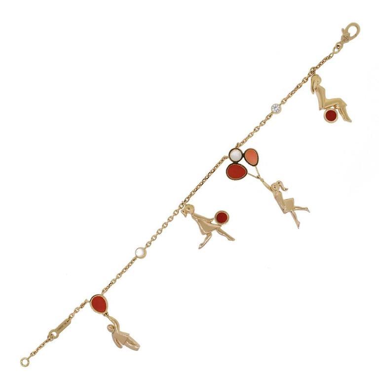 Romantic Van Cleef & Arpels Coral Moonstone Gold Romance Bracelet For Sale
