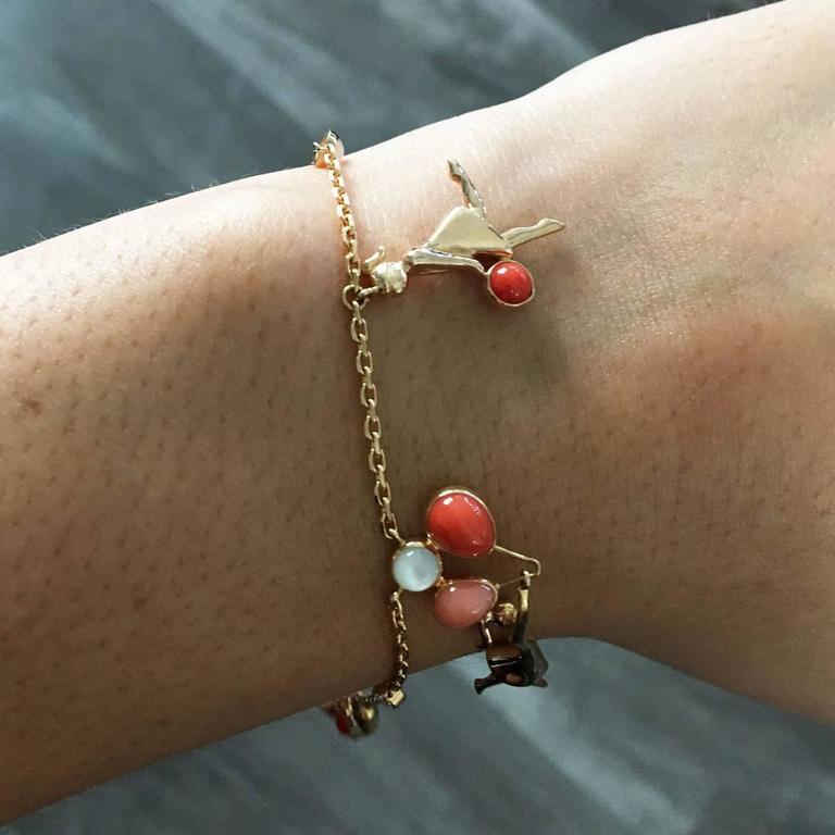 Van Cleef & Arpels Coral Moonstone Gold Romance Bracelet For Sale 1