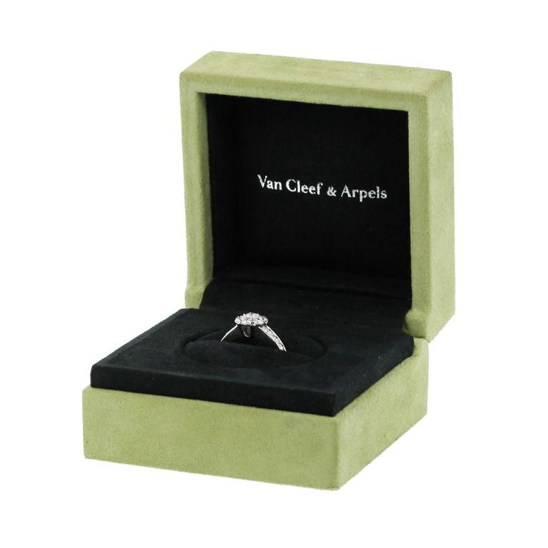 Van Cleef & Arpels Fleurette Diamond White Gold Ring For Sale 1