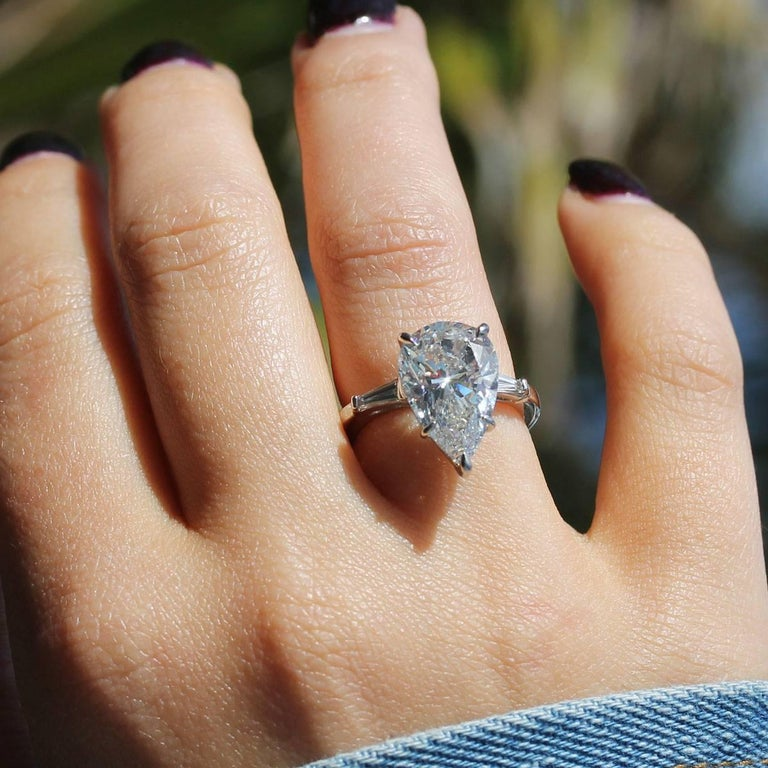 GIA Certified 5.60 Carat Pear Shape Diamond Engagement Ring For Sale 1