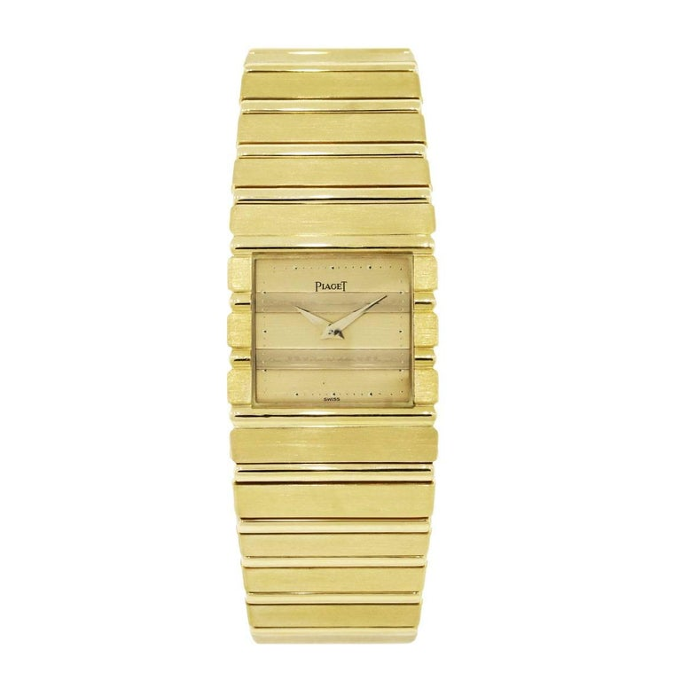 Designer: Piaget Model: Polo MPN: 7131 Case Material: 18k yellow gold Case Diameter: 25mm Bracelet: 18k yellow gold Dial: Gold dial Crystal: Scratch Resistant Sapphire Clasp: Jewelers' clasp Movement: Quartz Size: Will fit a 7.25″ wrist Additional