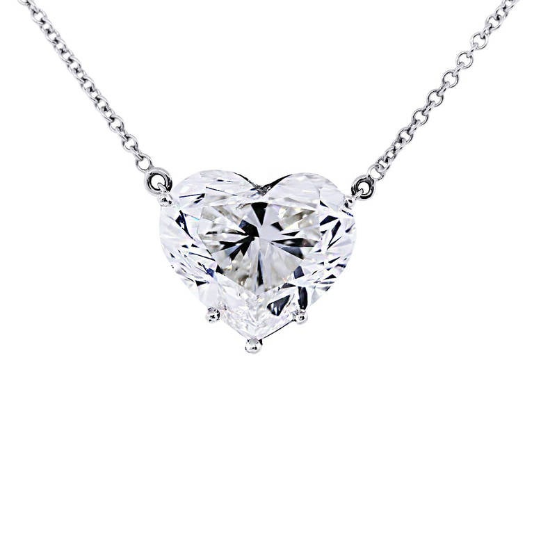 68d7f855c9b6 Style  18k White Gold Brilliant Heart Diamond Necklace Metal  18k White  Gold Chain Length