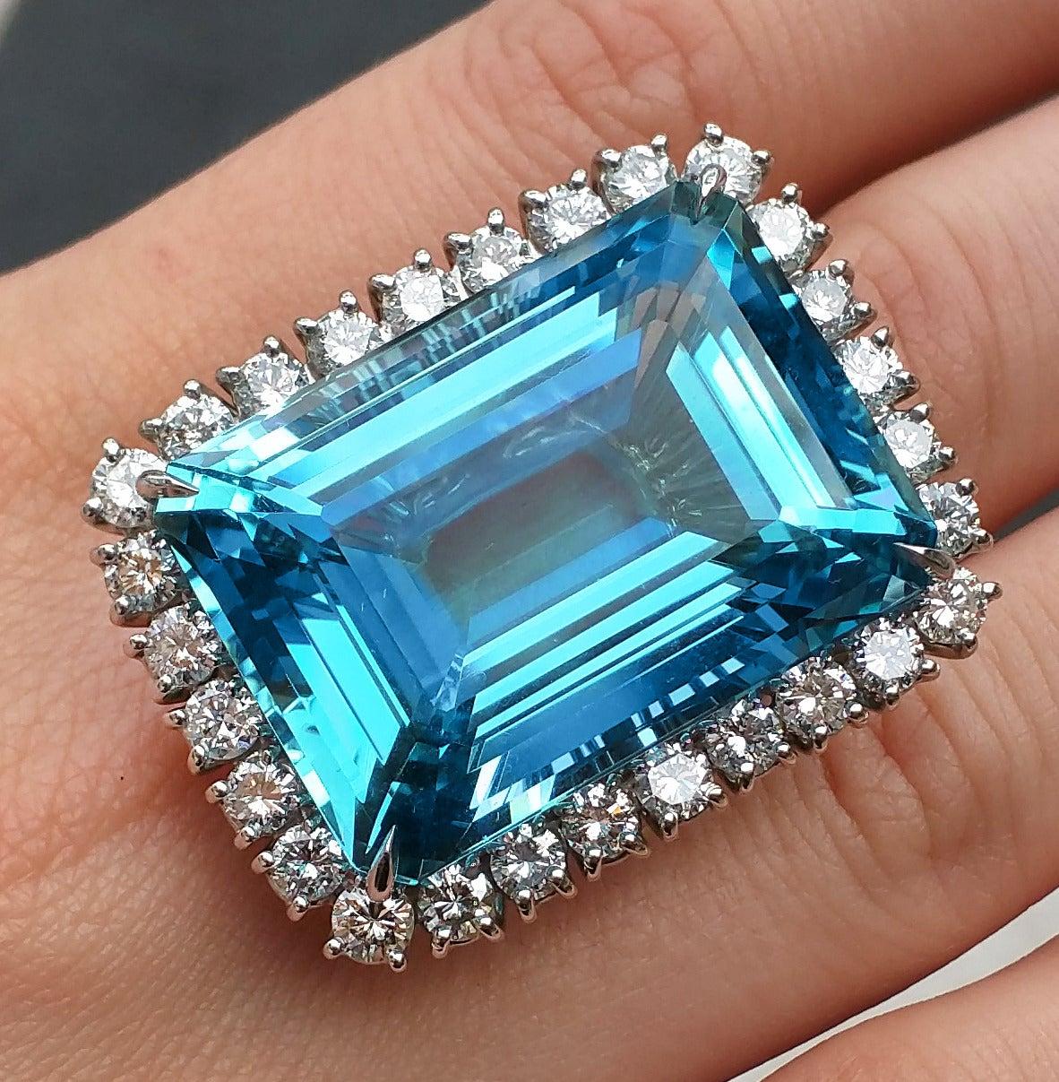 Aquamarine Diamond Platinum Ring For Sale 3
