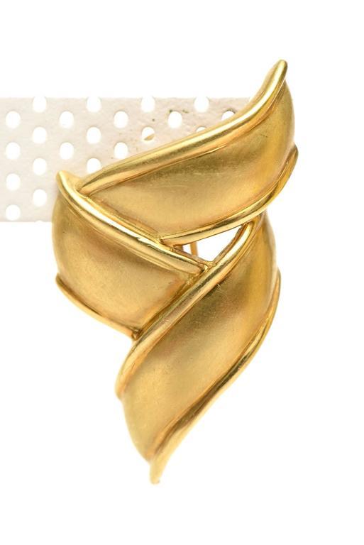 Vintage Tiffany & Co.18K Gold Pierced Lever Back Earrings For Sale 1