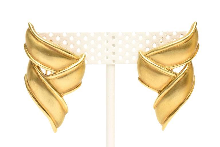 Modern Vintage Tiffany & Co.18K Gold Pierced Lever Back Earrings For Sale