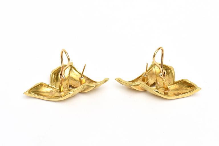 Vintage Tiffany & Co.18K Gold Pierced Lever Back Earrings For Sale 3