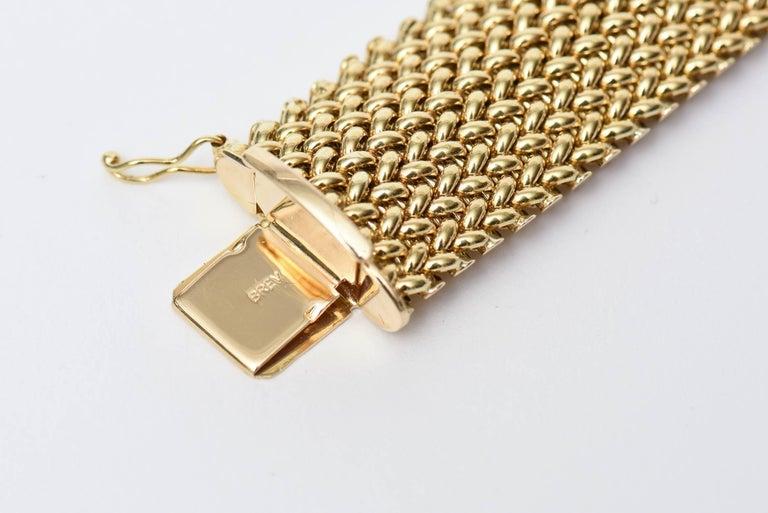 Vintage Italian 14 Karat Gold Chevron Mesh Hallmarked Cuff Bracelet  For Sale 1