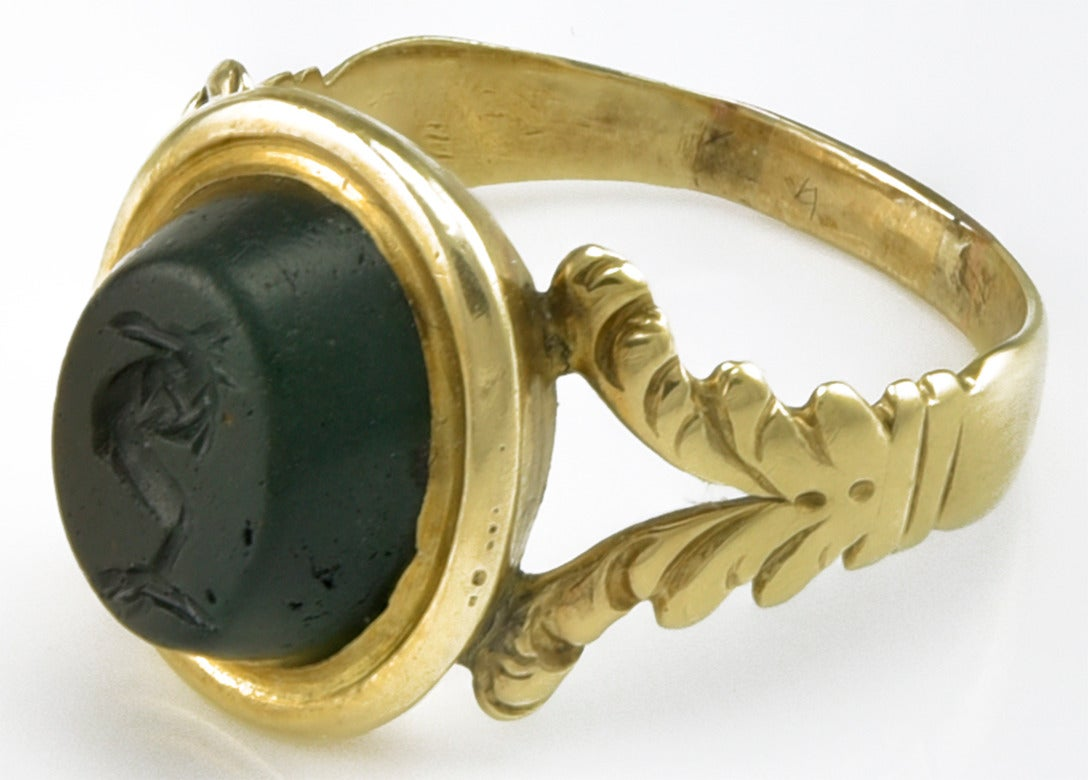 Small 18th century Gold Ring set with a Roman Magical Intaglio 4