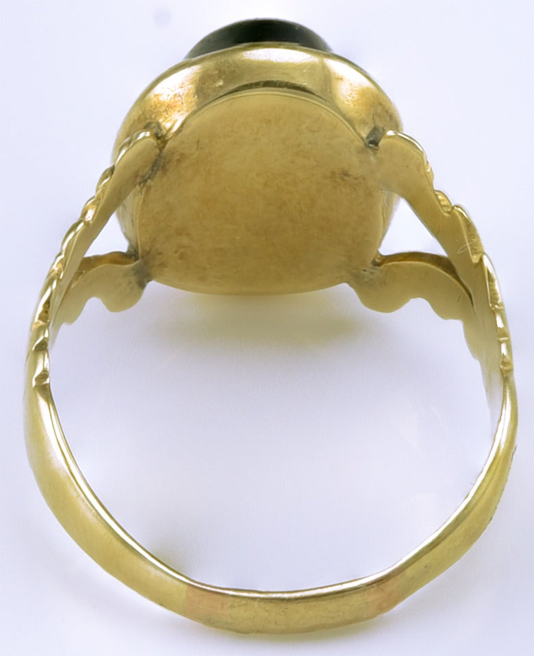 Small 18th century Gold Ring set with a Roman Magical Intaglio 3