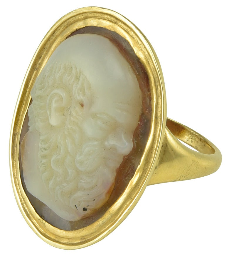 A late Renaissance Agate Cameo of Socrates in a Regency Gold ring mount 2