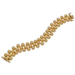An Attractive Gold Bead Bracelet