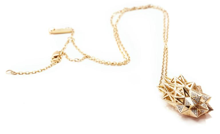 Modern Stellated Diamond Gold Flatback Necklace For Sale
