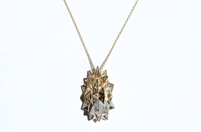 Stellated Diamond Gold Flatback Necklace For Sale 2
