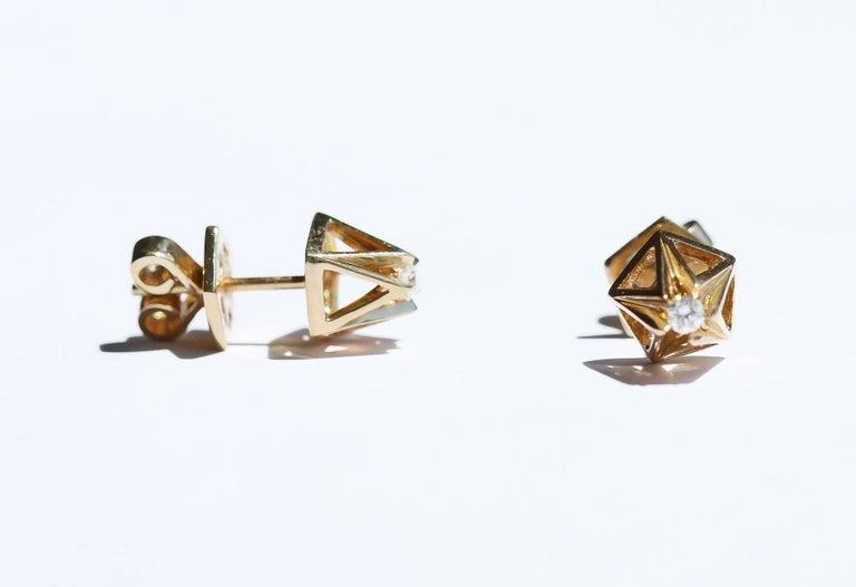 Modern Pyramid Diamond Gold Stud Earrings For Sale