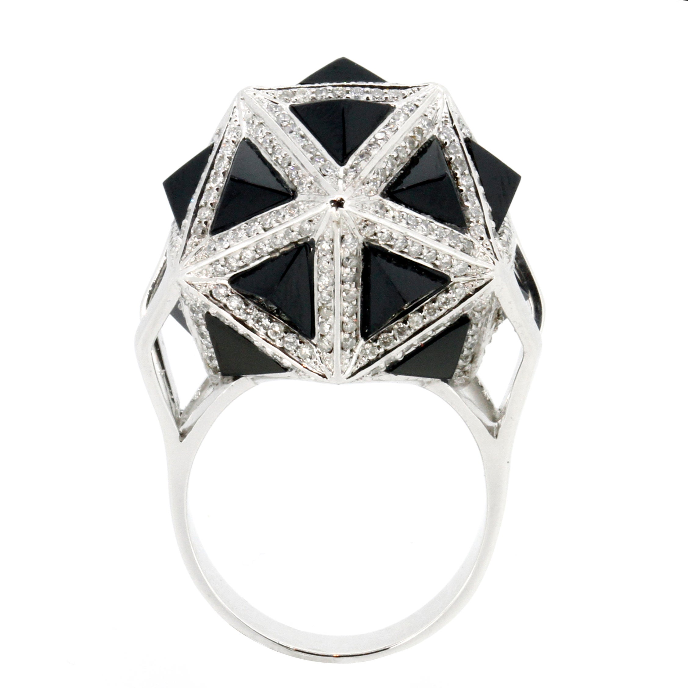 Icoso Black Sapphire and Diamonds 18K Gold Ring