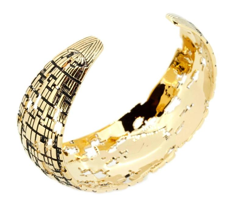 Modern Blockchain 18k Gold Cuff For Sale