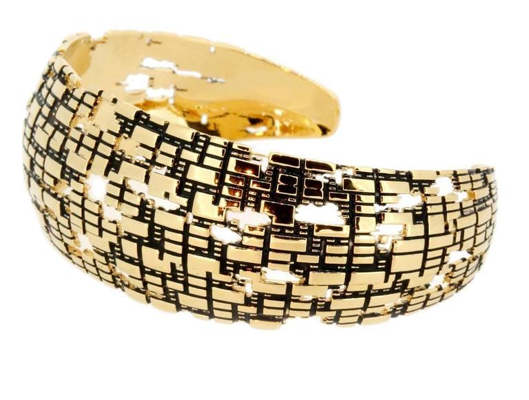 Blockchain 18k Gold Cuff In New Condition For Sale In Coral Gables, FL