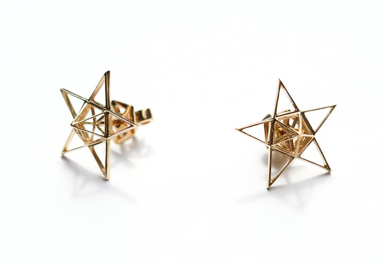 Gold Open Frame Star Earrings In As new Condition For Sale In New York, NY