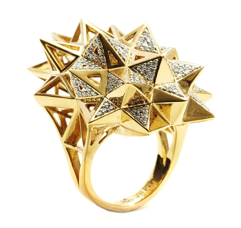 Stellated Star Diamond Gold Ring In New Condition For Sale In Coral Gables, FL