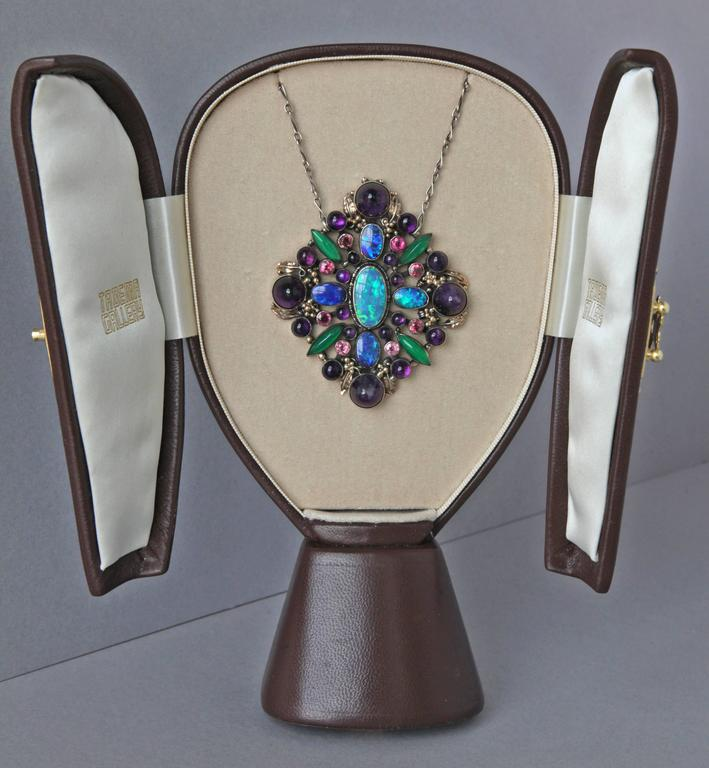 Attributed to Dorrie Nossiter Arts and Crafts Pendant In Good Condition For Sale In London, GB