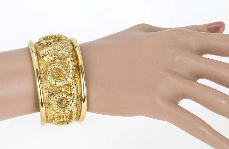 18 Karat Gold Aries Ram's Head Cuff Bracelet For Sale 2