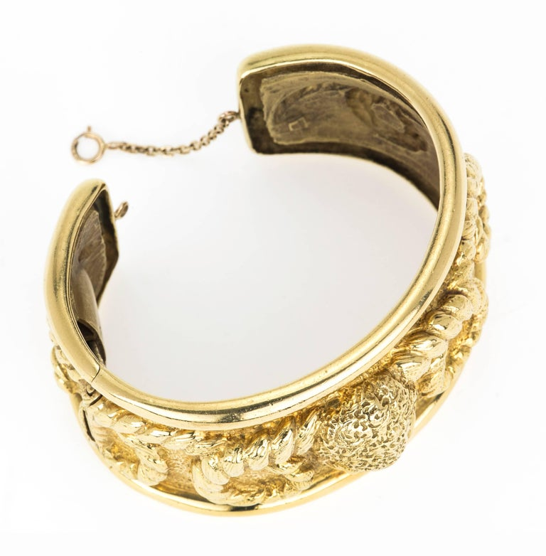 18 Karat Gold Aries Ram's Head Cuff Bracelet For Sale 1