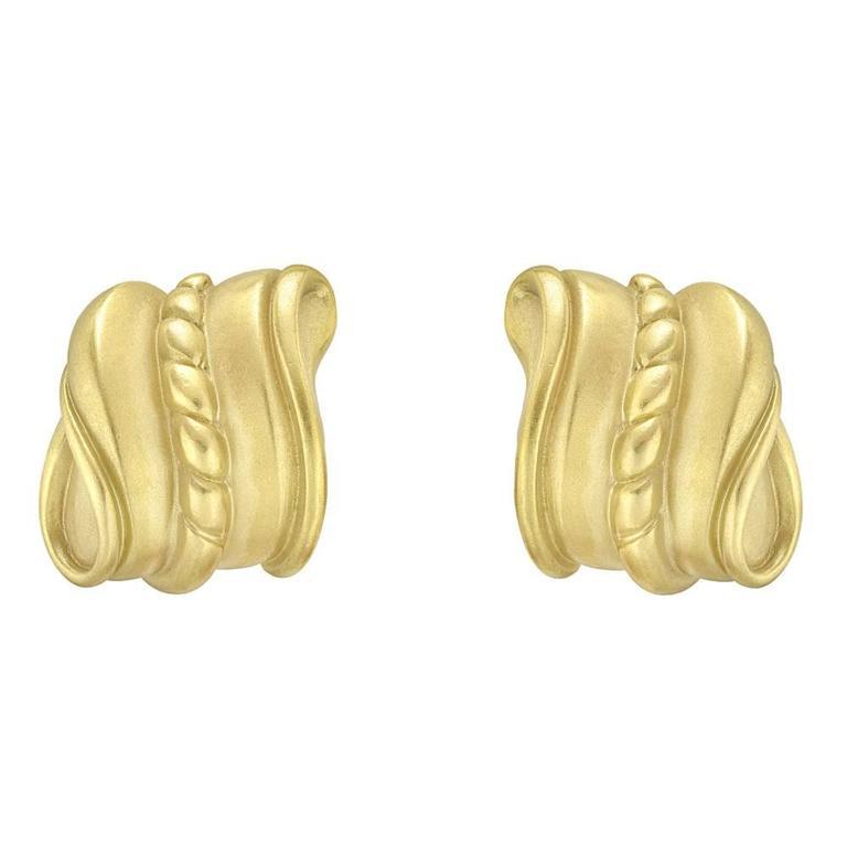 Kieselstein-Cord Caviar Yellow Gold Scroll Earclips