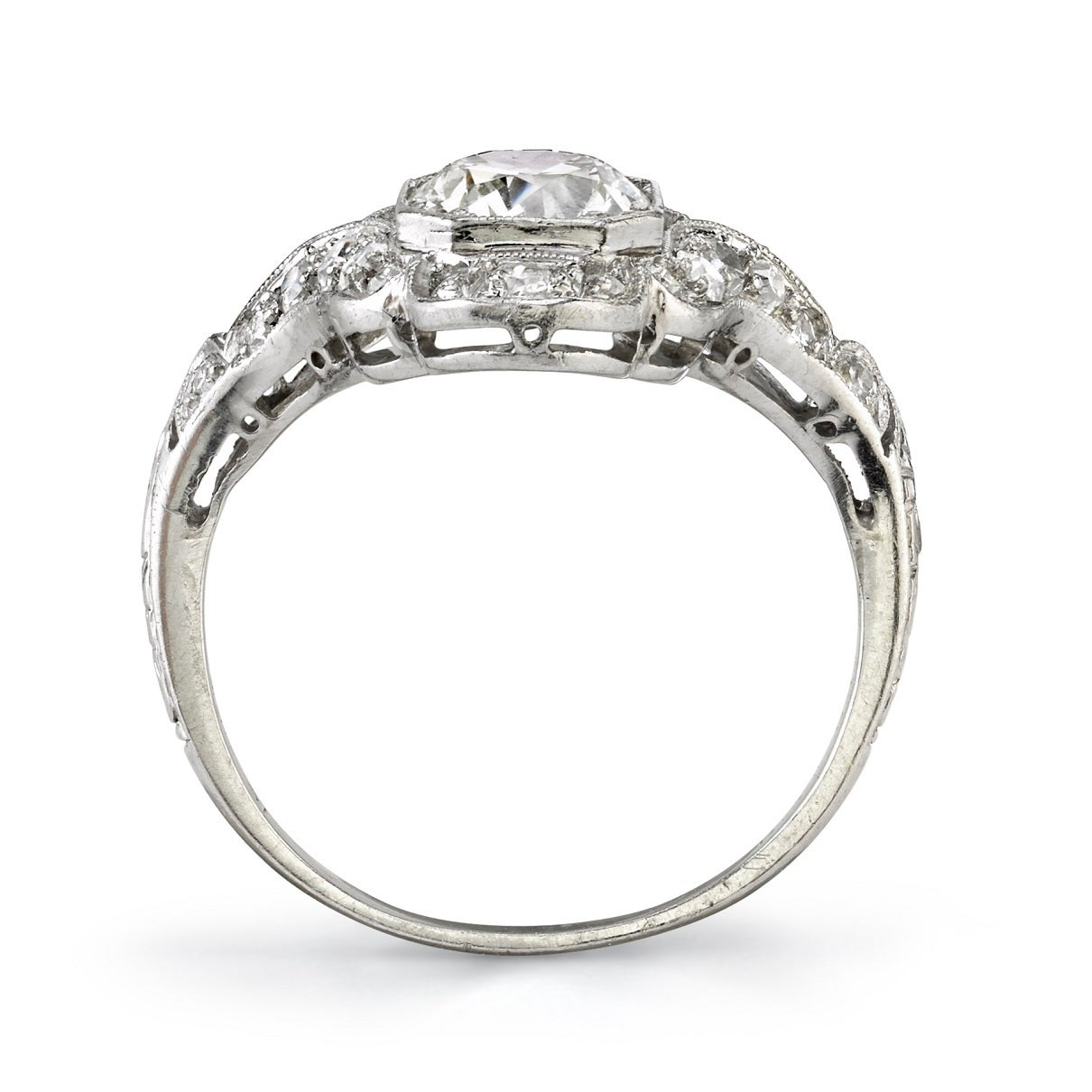 Art Deco Three Stone  Diamond Platinum Ring In Good Condition For Sale In Los Angeles, CA