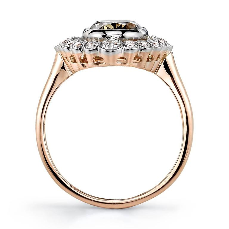 Beautiful 2.41 Carat Brown Oval Cut Diamond gold platinum Engagement Ring In As New Condition For Sale In Los Angeles, CA
